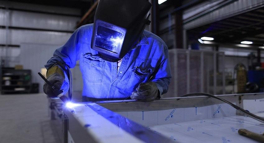 Wir suchen Schlosser Metallbauer (m/w/d) in Harburg mit Gesellenbrief, Berufserfahrung und Schweißkenntnissen für Montage, Reparatur, Qualitätskontrolle.