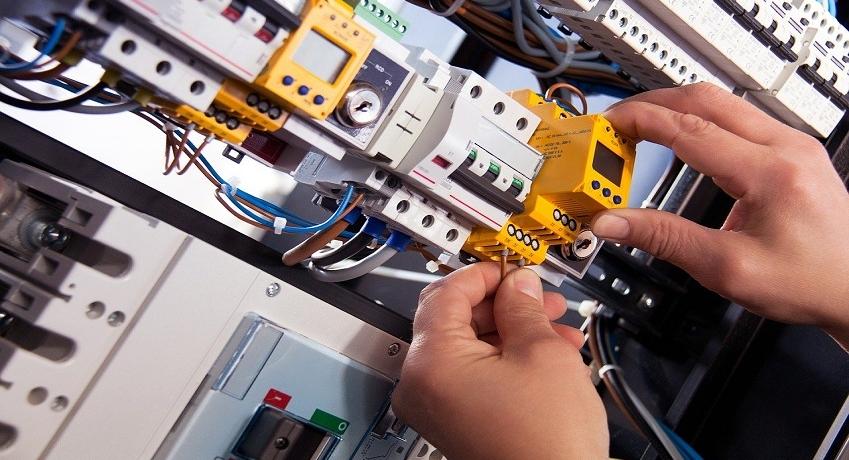 Wir suchen ab sofort einen Elektrotechniker (w/m/d) in Harburg mit ersten Berufserfahrungen für die Ausführung von Elektroinstallationsarbeiten in Vollzeit.