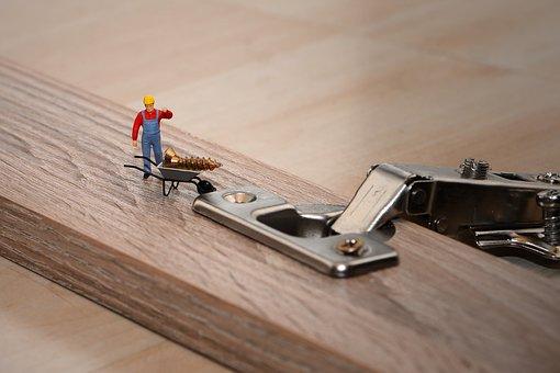 Wir suchen Holzmechaniker (w/m/d) in Lüneburg für verschiedene Bereiche mit Gesellenbrief und Berufserfahrung als Möbel- oder Bautischler.