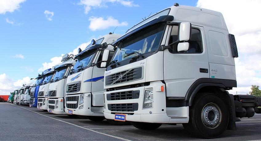 Auslieferungsfahrer Kl.CE (m/w/d) Ahrensburg mit Fahrerfahrung für Auslieferungsfahrten, Be- und Entladung des Fahrzeugs.