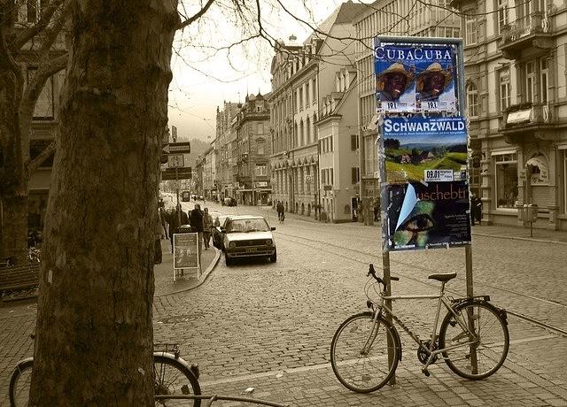 Wir suchen Helfer Montage (w/m/d) mit handwerklichem Geschick für die Plakataufstellung im Stadtgebiet von Hamburg ab Januar 2020 in Vollzeit.