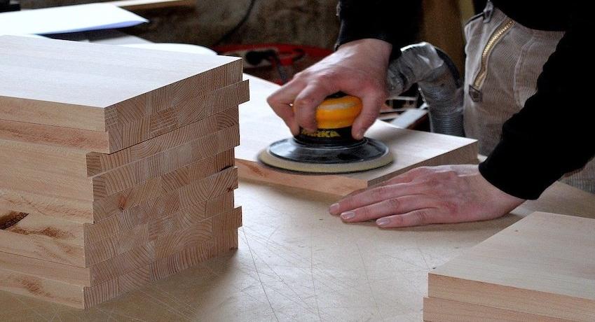Tischlergeselle Harburg(w/m/d) mit Gesellenbrief und Berufserfahrung: Ladenbau I Fenstermontage I Möbelbau I oder als Bautischler.